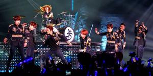 Super Junior Hebohkan Fans di Konser Super Show 6