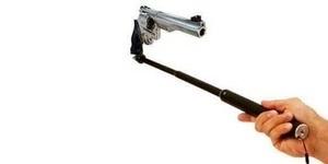 Selfie Todongkan Pistol ke Kepala Berujung Tragis