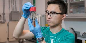 Ilmuwan Kembangkan Alat Pemisah Air Menjadi Bahan Bakar