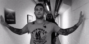 Maroon 5 Rilis Video Klip This Summer's Gonna Hurt Like A Motherf****r