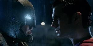 Batman Pakai Kacamata di Batman v Superman: Dawn of Justice