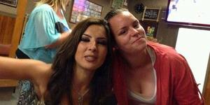 Pasangan Lesbian Hamil Bareng Dari Pendonor Sperma yang Sama