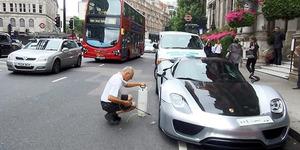 Cuci Mobil Porsche Rp 21 M di Jalan Bikin London Macet