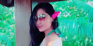 Dewi Perssik Pamer Video Hot Pakai Bikini Seksi