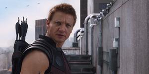 Hawkeye Lawan Iron Man di Captain America: Civil War?