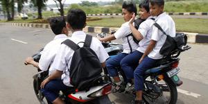 Pelajar DKI Bawa Motor ke Sekolah Bakal Dikeluarkan