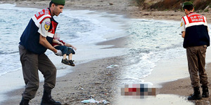 Perahu Pengungsi Suriah Karam, Mayat Bocah 3 Tahun Terdampar di Pantai
