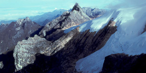 Salju 'Abadi' di Papua Bakal Lenyap!