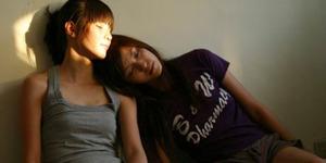 Cewek Lesbian Dilaporkan Polisi Usai Raba Payudara Teman
