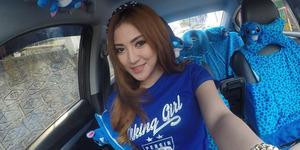 Foto Cantik Resty Wulandari 'Preman Pensiun' Dukung Persib Jadi Juara