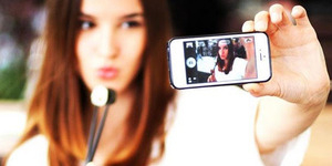 Trend Selfie Memicu Wanita Melakukan Operasi Plastik