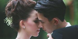 Foto Berbaju Pengantin, Dahlia Poland-Fandy Christian Sudah Nikah?