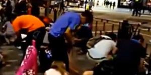 Terlanjur Heboh, Hujan Berlian di Hong Kong Ternyata Plastik