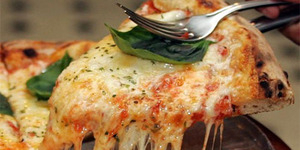 Begini Cara Terbaik Potong Pizza Menurut Ahli Matematika