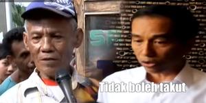 Lawan Teroris, Jokowi Nyanyi 'Jangan Takut' Bareng Tukang Sate