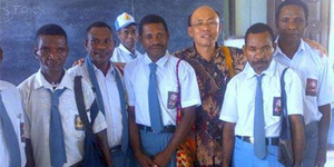 Pelajar Malas Harus Malu, Lihat Bapak-bapak di Papua Ini