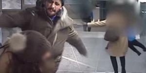 Pergoki Aksi Pencopet, Ibu-ibu Dipukul & Diludahi Wajahnya