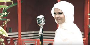 Terry Mantap Berhijab & Rilis Lagu Religi 'Nawaitu'