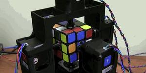Wow! Robot Ini Selesaikan Rubik Cuma Sedetik