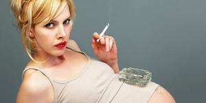 6 Akibat Merokok Bagi Ibu Hamil