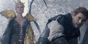 Chris Hemsworth Lawan Charlize Theron di Trailer The Huntsman: Winter's War