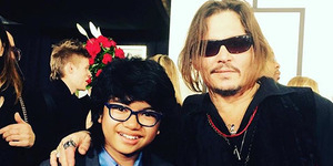 Keren, Joey Alexander Foto Bareng Johnny Depp di Grammy Awards 2016