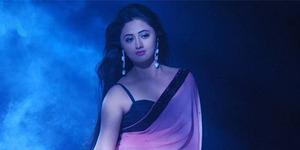 Rashami Desai 'Tapasya' Beradegan Sensual di Serial Adhuri Kahaani Humari