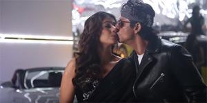 Shahrukh Khan-Kajol Nyaris Ciuman di Video Klip Tukur Tukur