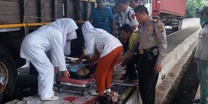 Tunawisma Melahirkan Bayi Kembar di Trotoar Tangerang