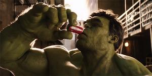 Video Ribetnya Hulk vs Ant-Man Rebutan Coca-Cola