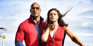 Alexandra Daddario Super Seksi Bareng The Rock di Film Baywatch