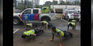 Apel Telat, Anggota Polisi Polda Metro Dihukum Push Up
