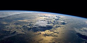 Astronot: Polusi Sebabkan Bumi Kritis