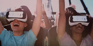 Sensasi Naik Roller Coaster Pakai Headset Virtual Reality