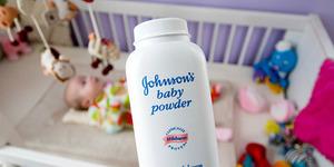 BPOM Tegaskan Bedak Bayi Johnson & Johnson di Indonesia Aman!