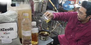 Buat Bensin dari Minyak Jelantah, Mahasiswa UGM Raih 4 Medali Emas