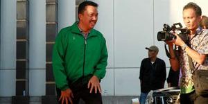 Diskusi PSSI Ricuh, Pejabat Kemenpora Dikeroyok Suporter