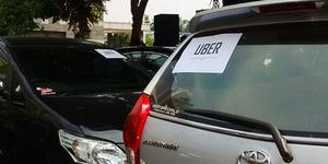 Driver Uber Nganggur Gara-gara Taksi Gratisan