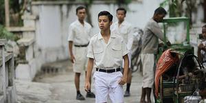 Foto Bastian Steel Jadi Habibie Muda di Film Rudy Habibie