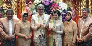 Foto Pernikahan Megah Kartika Soekarwo & Bayu Airlangga