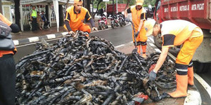 Gila! Kulit Kabel Sumbat Selokan di DKI Sudah 11 Truk