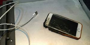 iPhone Terbakar Tanpa Sebab di Pesawat, Penumpang Panik