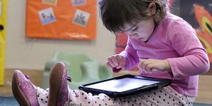 Jambret Sial, Rampas iPad Bocah Main Game Dipukuli Warga