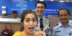 Jessica Iskandar Pamer Foto Bareng PNS Pacar Ayu Ting Ting?