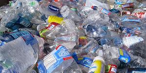 Plastik Bahaya Bagi Bumi, Jadi 'Penyelamat' di Antariksa