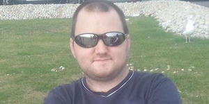 Pria Inggris Bunuh Ayahnya Gara-gara Charger Ponsel