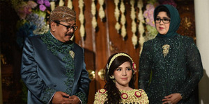 SBY Jadi Saksi Pernikahan Kartika Ayu Putri Pakde Karwo