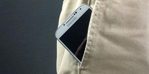Taruh Smartphone di Saku Celana Bikin Pria Mandul