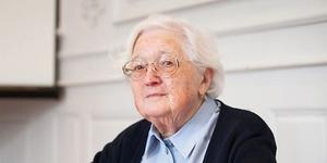 Wow, Nenek 91 Tahun Sukses Raih PhD