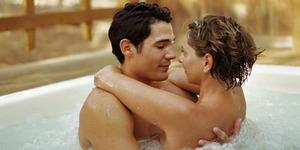 5 Fantasi Bikin Seks Makin Hot